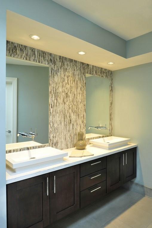 卫生间浴柜穿衣镜装修效果图