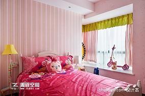 女孩儿童房飘窗窗帘装修效果图