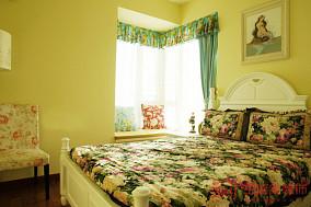 欧式田园卧室转角飘窗设计效果图