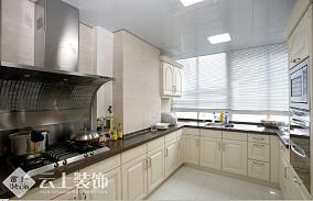 现代风格厨房白色橱柜效果图