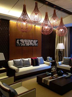 东南亚风格客厅创意吊灯效果图