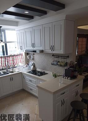 半开放式厨房橱柜效果图