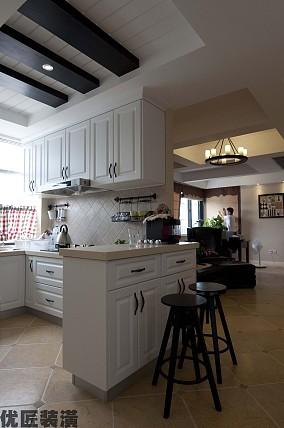 欧式家庭厨房吧台装修效果图