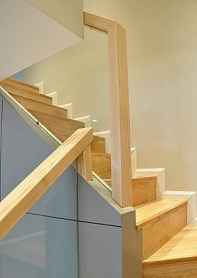 宜家家居原木楼梯设计