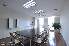 简单会议室装修效果图