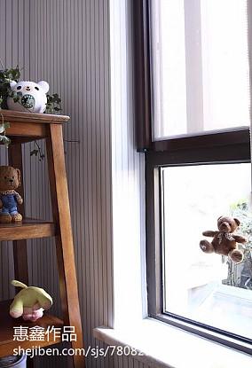 现代风格复式卧室装修
