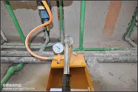 钢化玻璃卫生间隔板装修