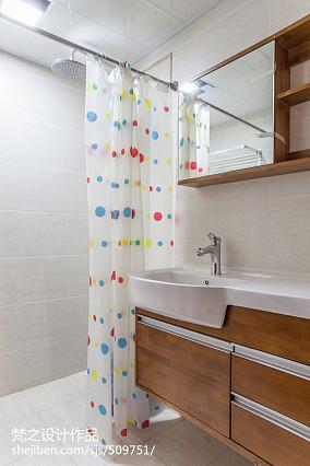 2018面积84平现代二居卫生间装修效果图片欣赏
