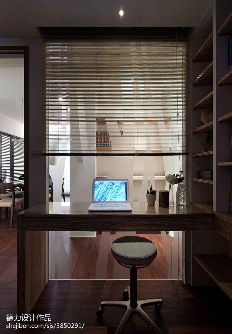书房门对着卧室门