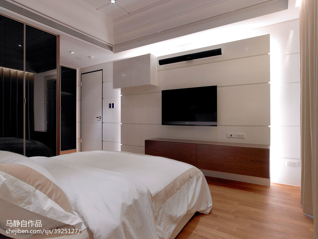 三居室混搭卧室电视墙装修效果图