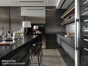 三居室现代吧台酒柜设计