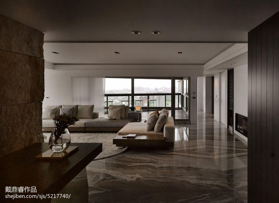 浅灰色沙发装修效果