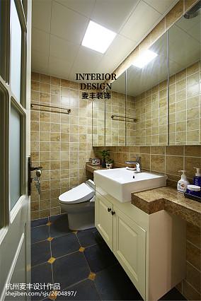 混搭美式卫生间瓷砖拼花效果图