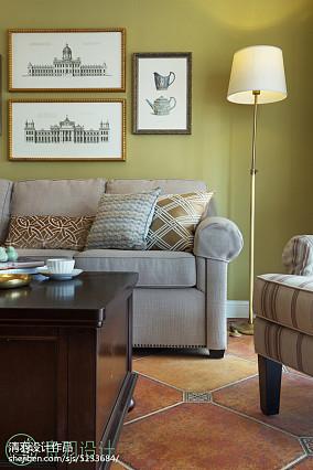温馨105平混搭四居客厅装饰美图