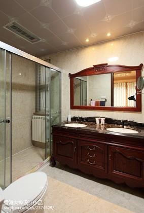 热门126平米四居卫生间美式欣赏图