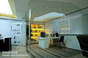 现代室内橡木地板图片