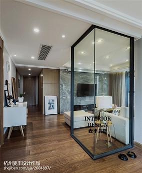 现代风格三居室过道效果图