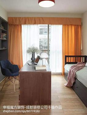 简单小空间卧室图片