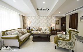 热门90平米三居客厅新古典装修设计效果图片