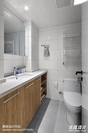 精美日式三居卫生间装修欣赏图片
