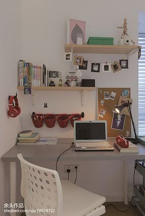 热门面积126平别墅书房现代装修设计效果图片