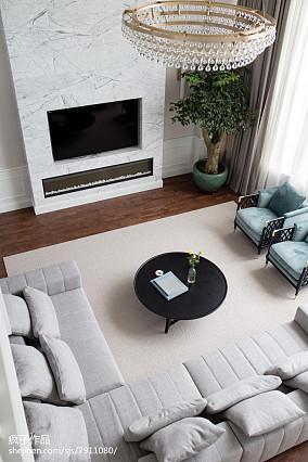 精美简欧复式客厅装修欣赏图片