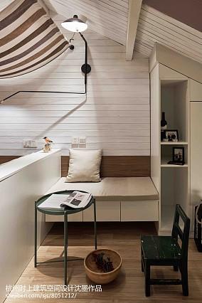 热门复式卧室简约效果图片欣赏