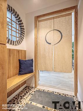 日式风格三居玄关设计图片