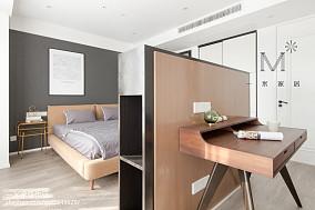 精美80平现代三居卧室装修案例