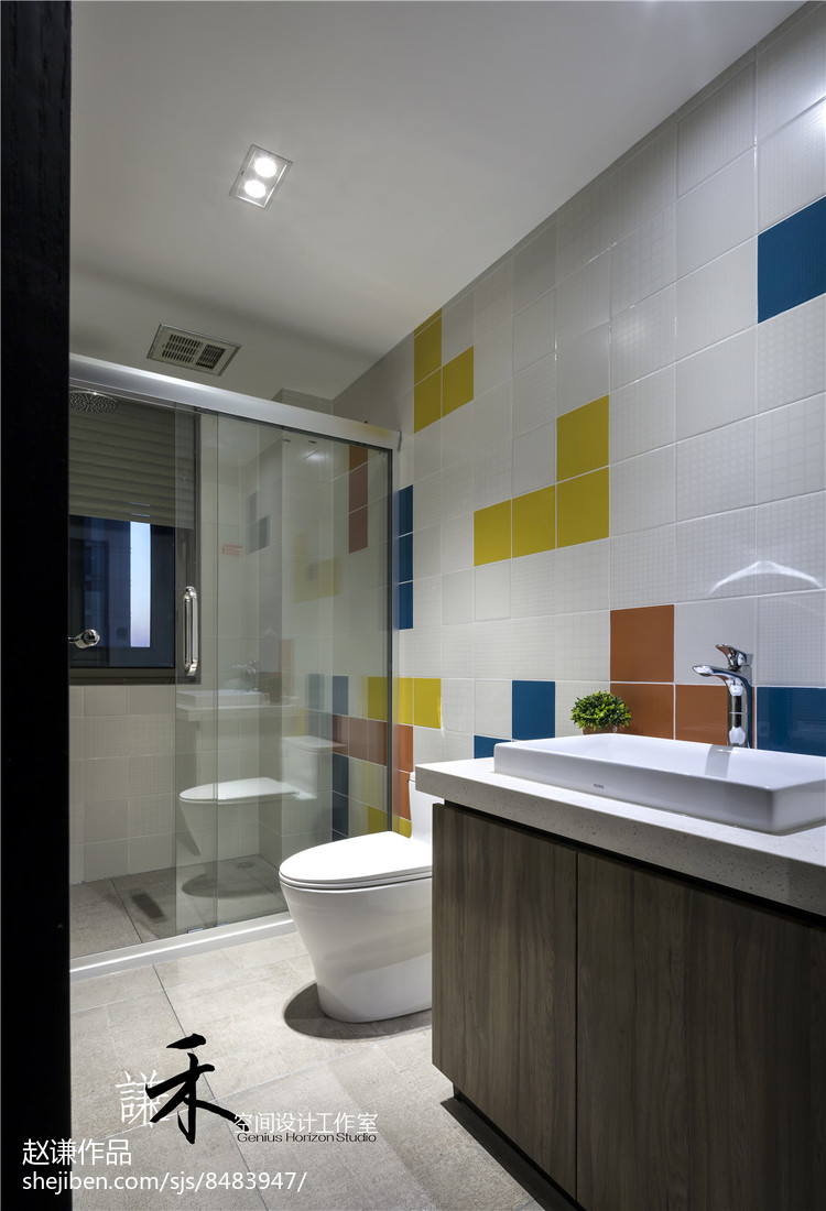 最新115平米四居卫生间现代装修实景图片欣赏