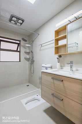 热门94平米三居卫生间中式装修效果图