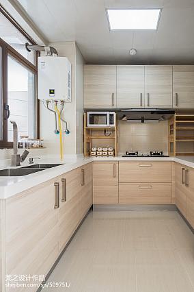 热门三居厨房中式装修图片欣赏