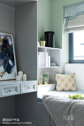 轻奢119平美式三居卧室布置图