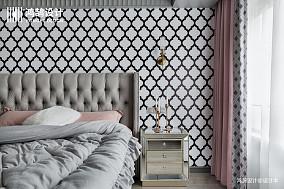 大气72平混搭二居卧室装饰图