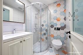 浪漫70平美式复式卫生间装修装饰图