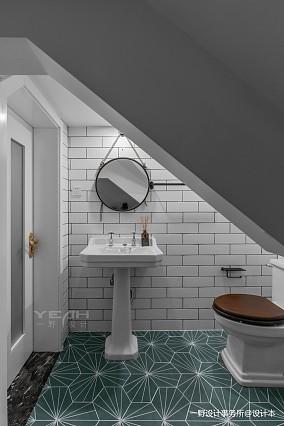 轻奢64平美式复式卫生间装修图