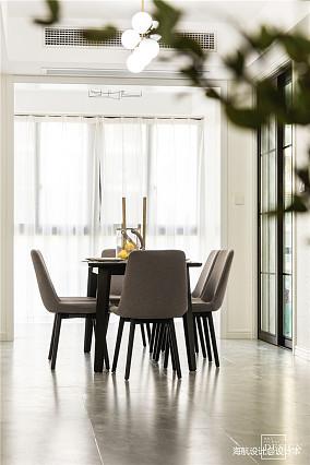 温馨131平现代四居餐厅设计美图