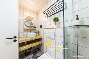 精美80平简约二居卫生间装修装饰图