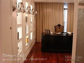 现代三室两厅设计180平米户型图